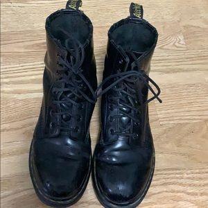 DR MARTENS BLACK BOOTS Size 8